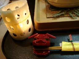大根のカツラむきで作られた灯篭・獅子舞の箸起き