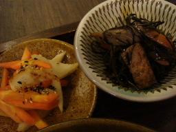 干し大根とニンジンのナンプラーきんぴら・あらめとすき昆布の煮物
