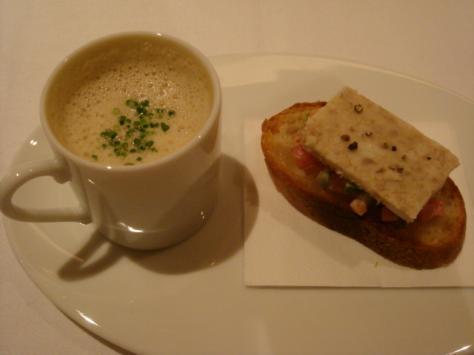 スープとカナッペ