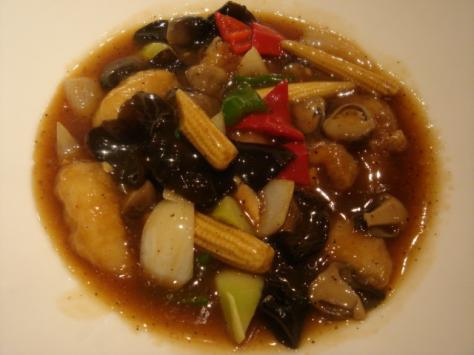 牛肉と彩り野菜の黒胡椒炒め