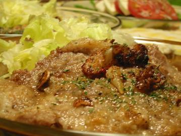 豚肉のステーキ ガーリックソース