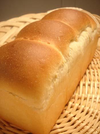 牛乳食パン① 4.14