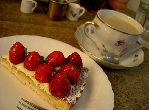 苺タルト&ホットコーヒー