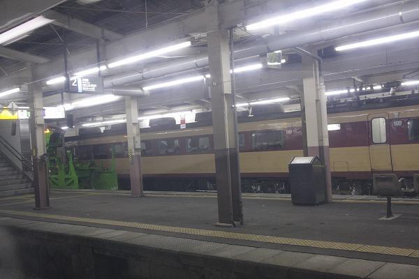 運転停車の越後湯沢にて。 能登とENRが停車中・・・