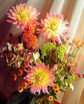 ダリアの生け花