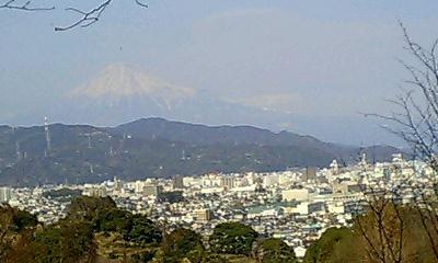 町と富士山