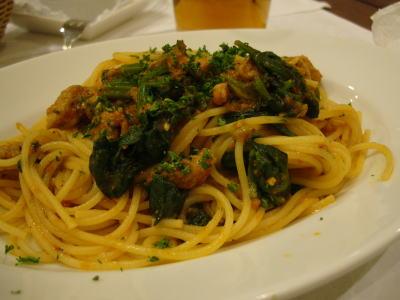まぐろほほ肉の煮込みソース和えスパゲッティ