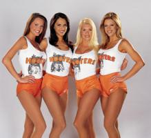 Hooters_Ladies.jpg
