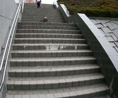 階段も長かった