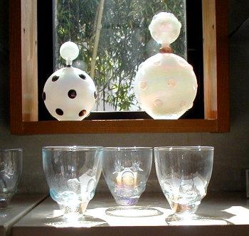虹彩(こうさい)シリーズの花器とグラス