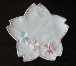 桜の刺繍が可愛い!