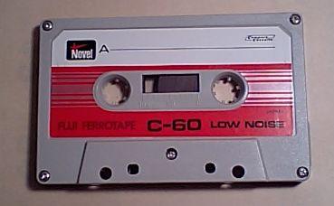 ノーベルのカセットテープ