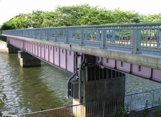 荒子川公園連絡橋
