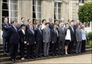 070519141427.glmgn5mz0_photo-de-famille-du-gouvernement-fillon--au-palaisb.jpg