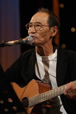 井上堯之(ギター、ボーカル)