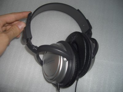 headphone1-2.jpg