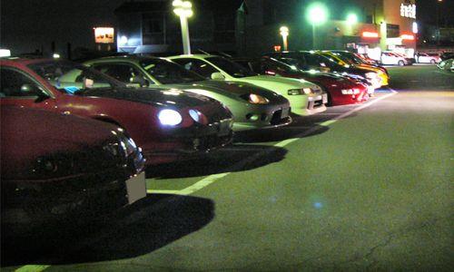 整列写真。夜間撮影は難しいであります。