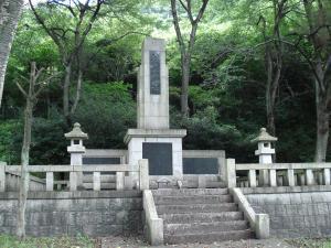 慰霊塔(諏訪梅林)