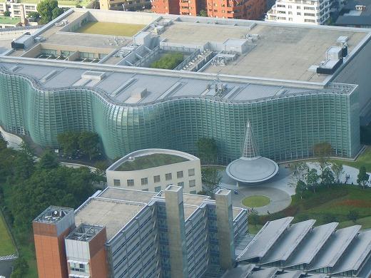 六本木ヒルズから見た新国立美術館