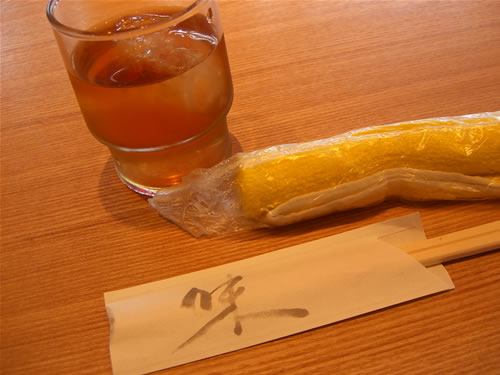 お茶とおしぼりと箸