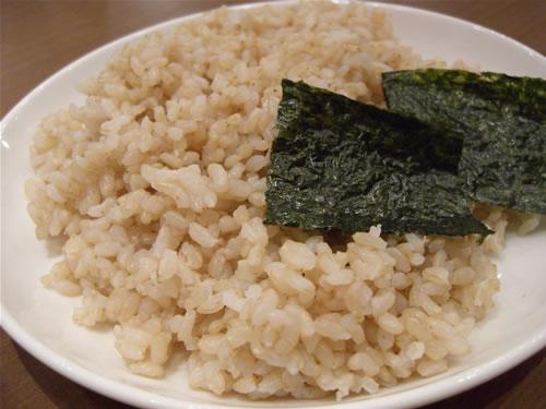 ご飯は100パーセント玄米にしました