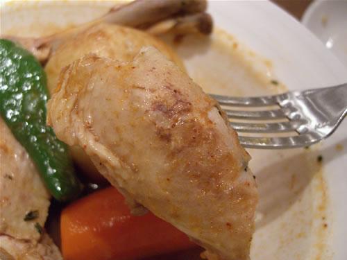 鶏肉もジューシーで美味しい!