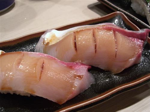 魚心のはまち。かなり肉厚がありコリコリです!