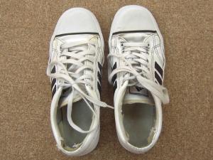 DSIS足底板療法 靴のゆがみ方をチェックします