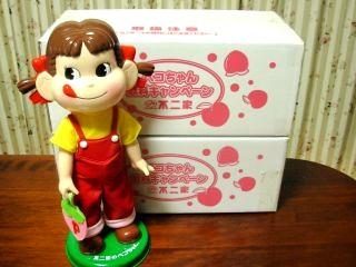 ペコちゃん首ふり人形。。 2つ