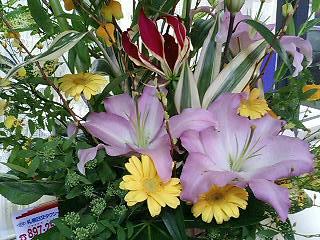 花の良い香りは気分もアップしますよ!