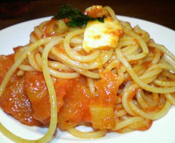 モッツアレラとフレッシュトマトのスパ