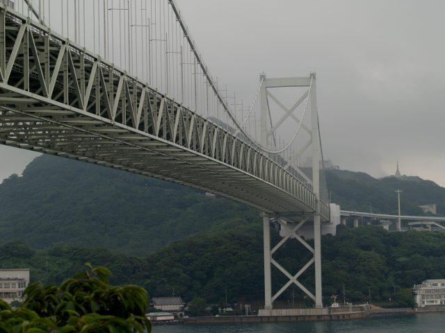 ここは関門大橋が見えるサービスエリア 壇ノ浦です