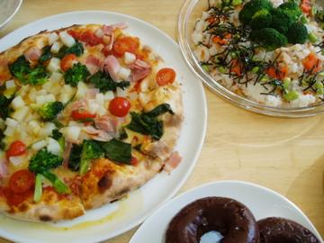 ピザにドーナツにちらし寿司