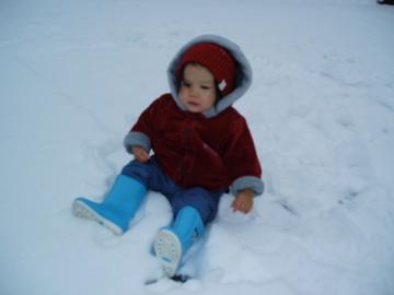 雪ってちべたいね