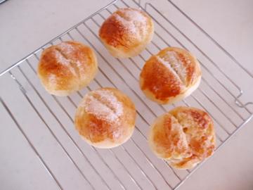 初めてのパン(小麦粉使用)
