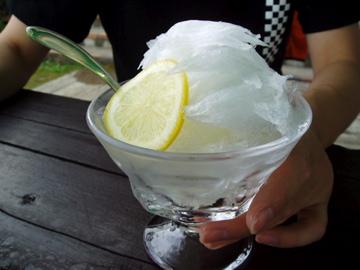 チロリンの天然氷・1