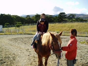 初めてお馬に乗ったよ!