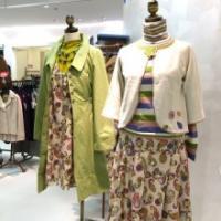 ホコモモラ店頭春服画像