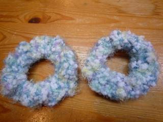 小さいほうは鎖網と細編みなのに・・・