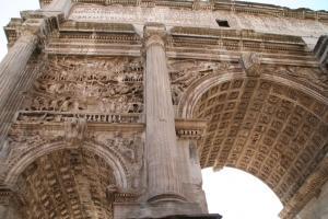 セブティミアヌス・セヴェルス帝の凱旋門