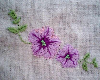 花刺繍・サフィニアミニ