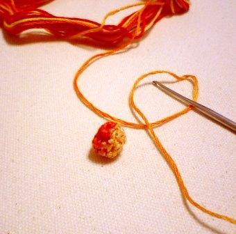 ビーズの編み包み
