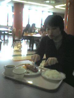 050623_eat.jpg