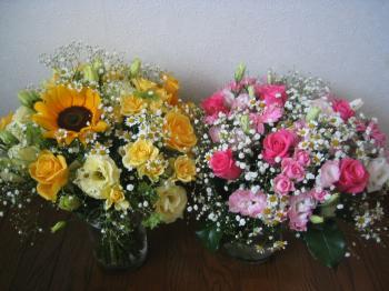 お花飾ってみました。