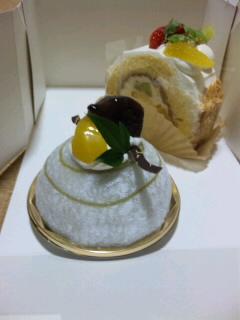抹茶ムース&フルーツロール