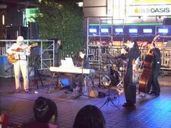 2009.10.31草津駅前1