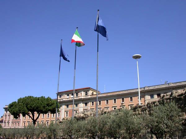 ローマ、テルミニ駅前