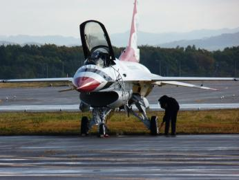 P1000280機体点検中
