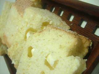 ポピーシードとクリームチーズシフォンcut