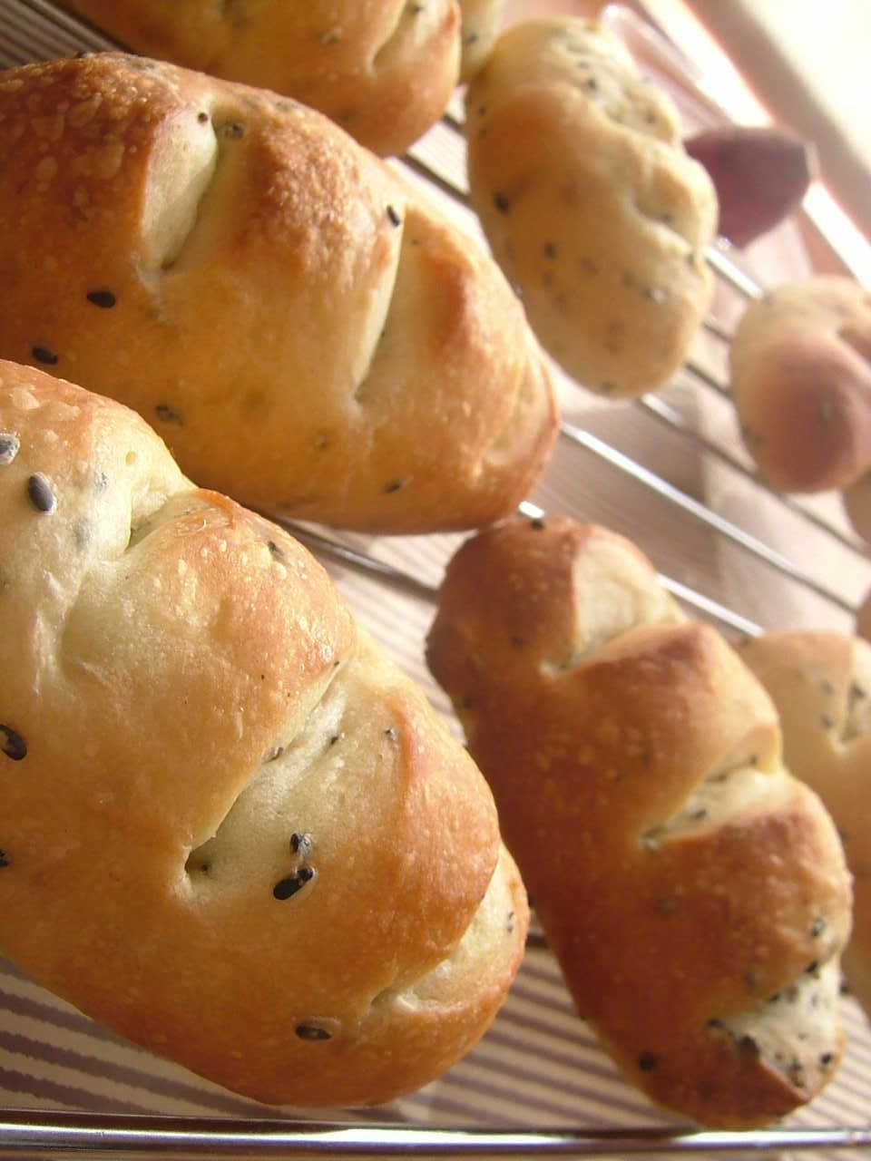 ごまさつまパン